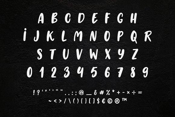 LISA Cute Cursive 90's Font