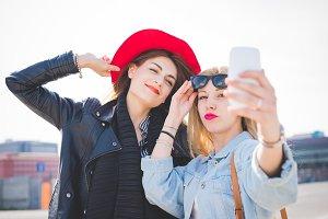 friends girl taking selfie