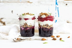 Blueberry yogurt oat granola