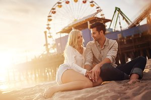 romantic couple in santa monica