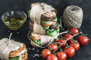 Sandwich tower with tomatoes