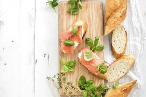 Salmon, ricotta and basil sandwiches