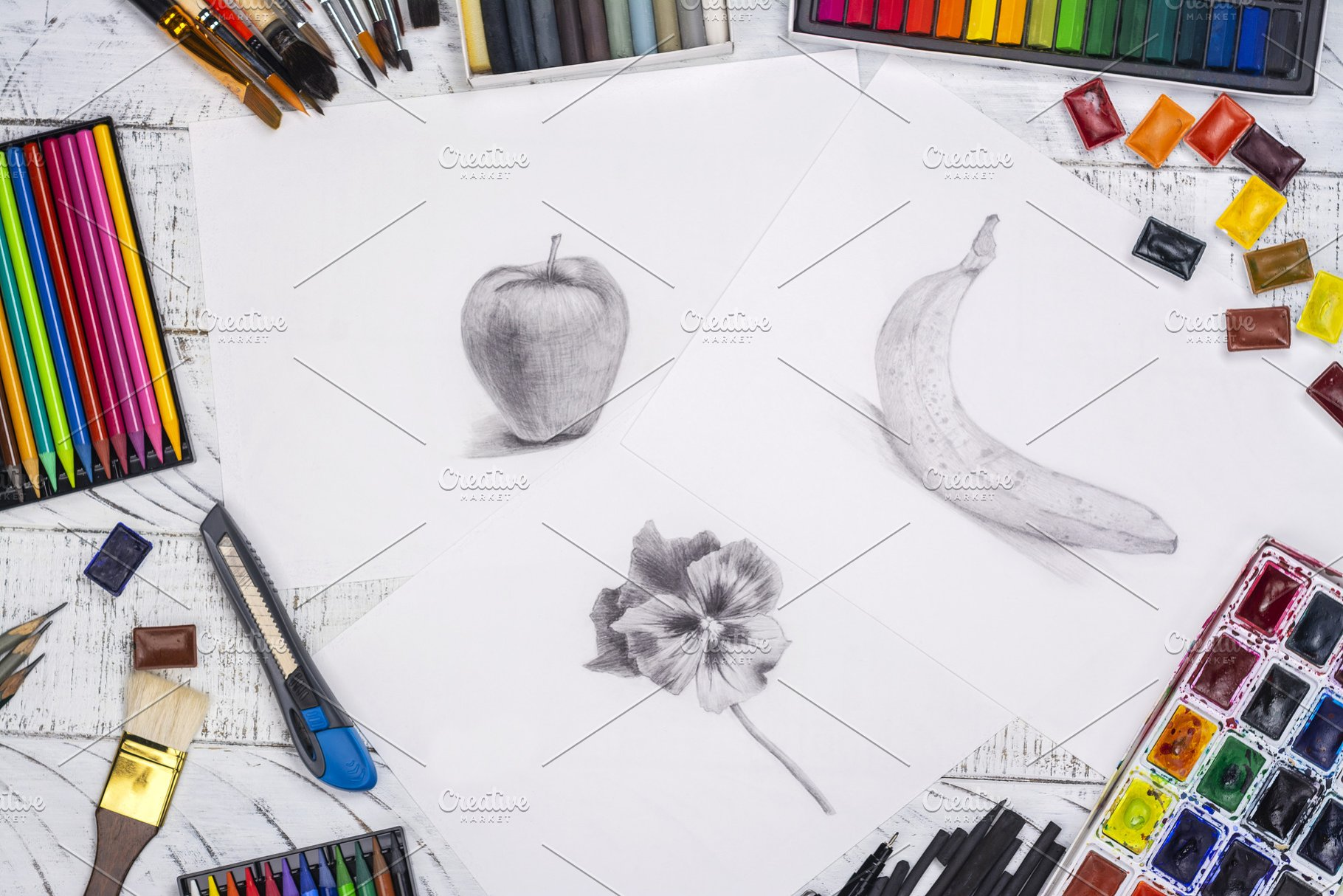Pencil sketch of an apple