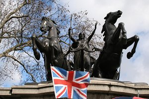 London flag and statue