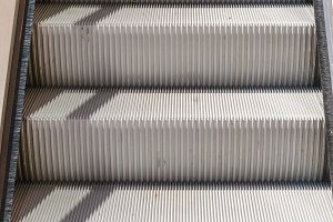 Mechanical staircase steps