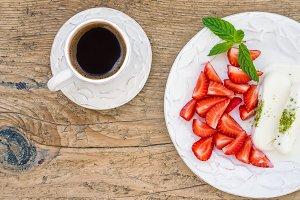 Ice-cream with pistachio and berries