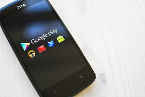 Google play on HTC smartphone