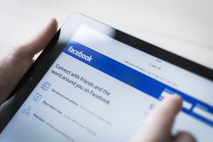 Using Facebook on a Tablet PC
