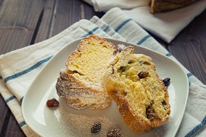Sweet bread with raisin