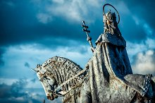 Equestrian statue of King Stephen I by  in Architecture