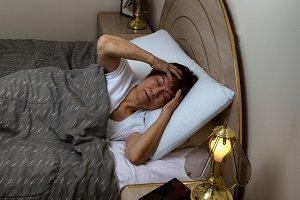 Senior woman cannot sleep