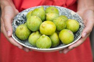Plate of figs.jpg