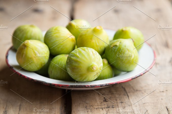 Figs on a dish.jpg - Food & Drink