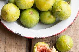 Ripe figs.jpg