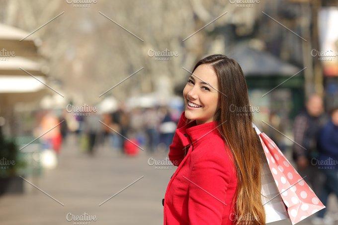 Shopper woman shopping in the street in winter.jpg - Beauty & Fashion