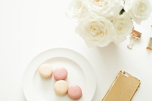 Macarons, Roses & Gold iPhone