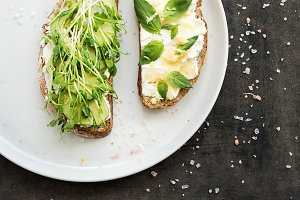 Avocado and ricotta sandwiches