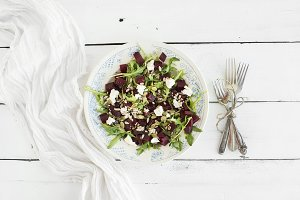 Beetroot salad with arugula