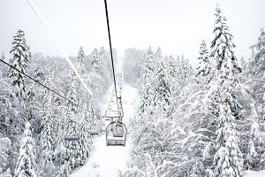 Cable ski lift with no passengers