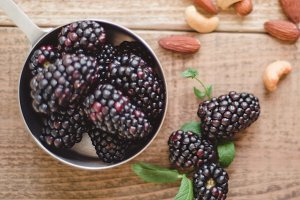 Blackberries, Cashews & Almonds