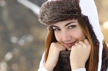 Beauty woman face portrait warmly clothed in winter.jpg