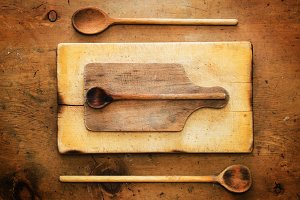Vintage table, rustic kitchenware 1