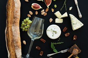 Wine and snack set