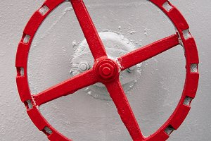 old red hand wheel