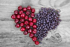 Heart from bluberry and cherry