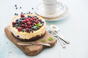 Homemade cheesecake with raspberries