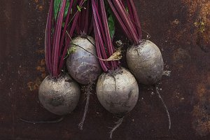Bunch of fresh garden beetroot