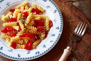 Fusilli with sweet red peppers