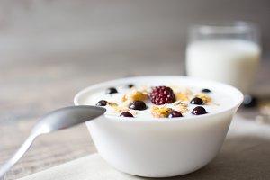 Natural yogurt with fresh berries