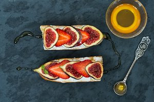 Fig and strawberry cheese sandwiches