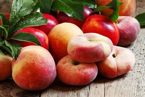 Assortment of peaches