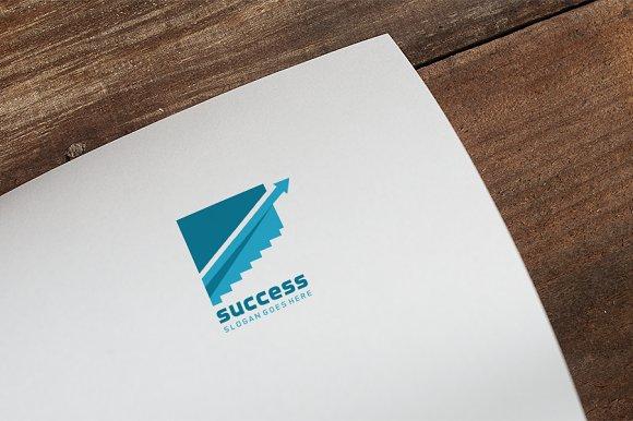 Succes Logo