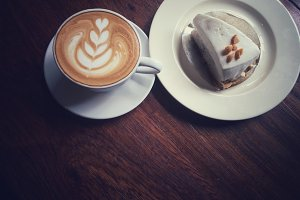 latte coffee and cream pie cake