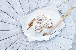Cinnamon rolls with cream-cheese