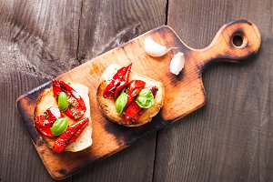 Bruschetta with sun dried tomatoes