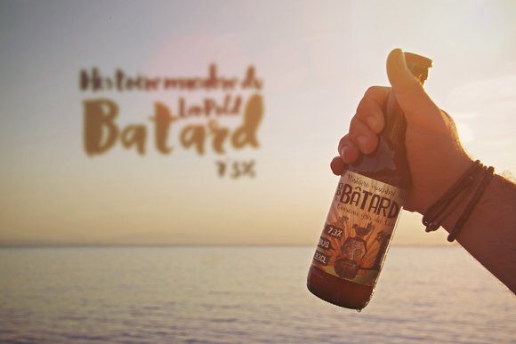 Free Beer | Bottle | Logo Beach Mockup