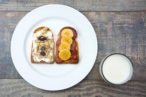 Milk and toast with fruit