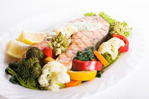 Grilled salmon steak with vegatables