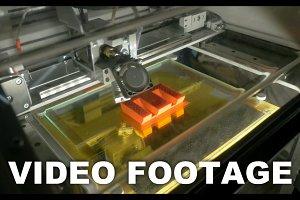 3D printer making letter E