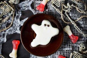 Halloween  ghost  dessert