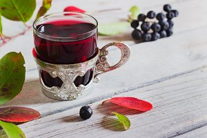 wine from aronia