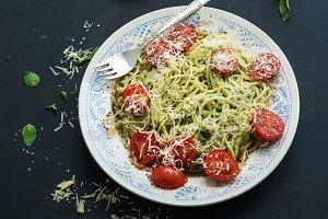 Pasta spaghetti with pesto sauce