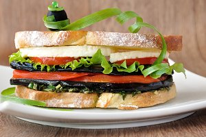Sandwich with eggplant