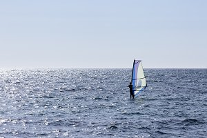 windsurfing the sea