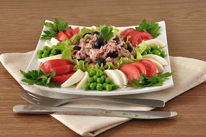 Tuna Salad and vegetables