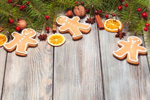 Gingerbreads and fir tree